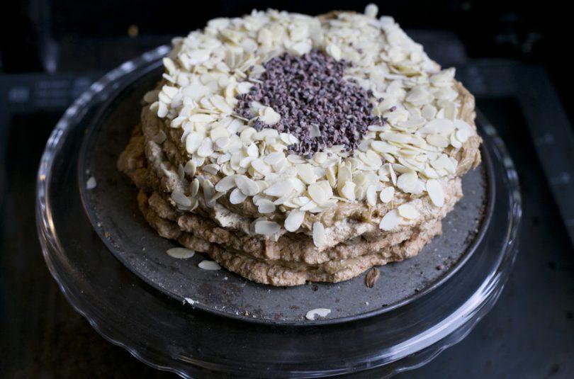[bezglutenowy] Bezowy tort migdałowo-kawowy
