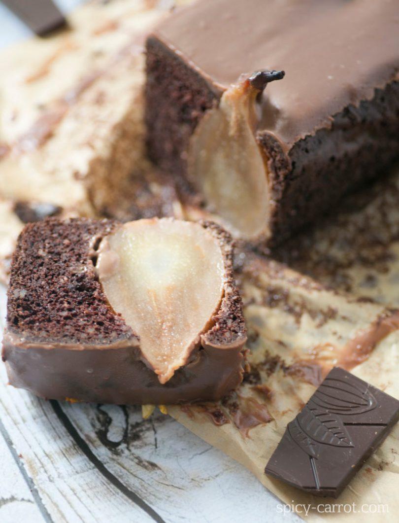 Ciasto czekoladowe z całymi owocami